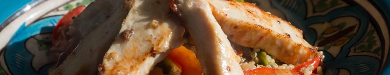 Aiguillettes de poulet au curry et taboulé de quinoa